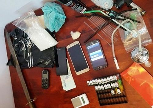 Bắt khẩn cấp 'ông trùm' giấu ma túy trong chung cư - ảnh 1