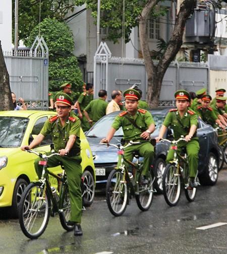 Công an TP Đà Nẵng tiếp nhận 100 xe đạp chuyên dụng đi tuần tra - ảnh 1