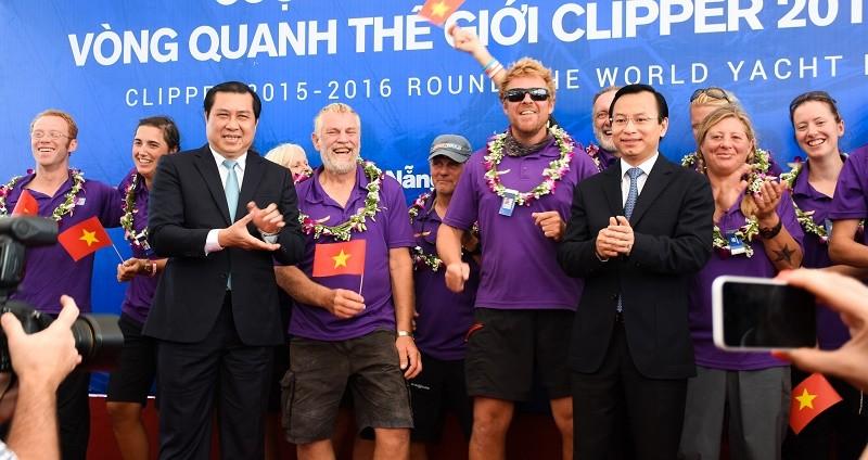 Đội đua thuyền buồm vòng quanh thế giới cập cảng Đà Nẵng - ảnh 4
