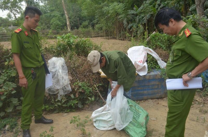 Phát hiện cơ sở dùng hóa chất Trung Quốc chế biến mỡ bẩn - ảnh 2