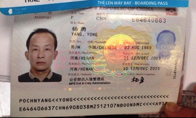 Lại phát hiện khách Trung Quốc chôm đồ trên máy bay - ảnh 1
