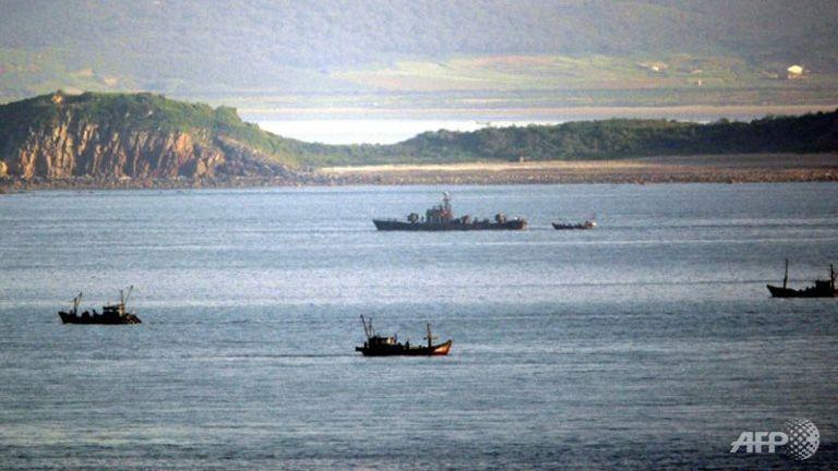Triều Tiên lập vùng cấm tàu thuyền, chuẩn bị phóng tên lửa - ảnh 1