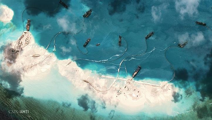Trung Quốc xây đảo nhanh 'chóng mặt' tại Đá Vành Khăn - ảnh 1