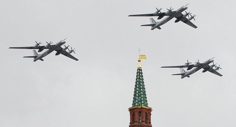Tuần tra bằng máy bay ném bom: Nga đang gửi thông điệp gì đến Mỹ? - ảnh 1