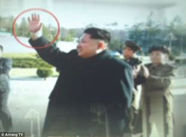 Sách giáo khoa Triều Tiên: Kim Jong-un lái xe khi mới 3 tuổi? - ảnh 2