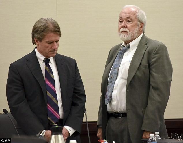 Chồng tự tử ngay tại tòa sau khi bị tuyên án giết vợ - ảnh 1