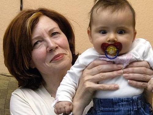 Người mẹ 65 tuổi có 13 con tiếp tục mang thai sinh tư - ảnh 2