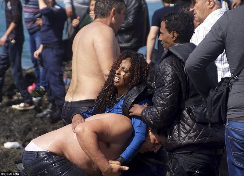 Hơn 800 người tị nạn chết trong vụ lật tàu Địa Trung Hải - ảnh 3