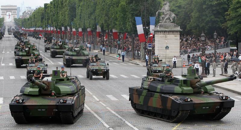 Pháp đưa xe tăng chiến đấu đến Ba Lan - ảnh 1