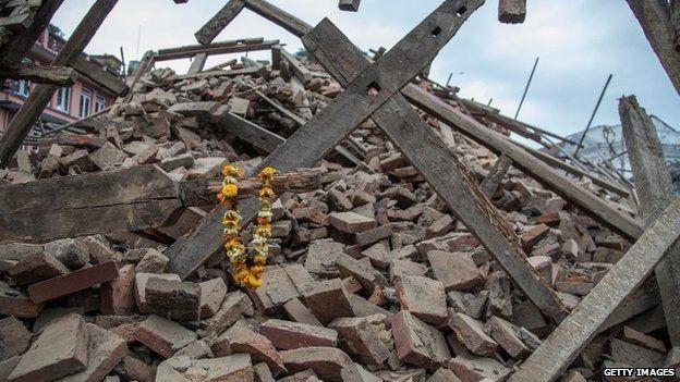 Ác mộng động đất Nepal: Hơn 1.800 người đã thiệt mạng  - ảnh 2