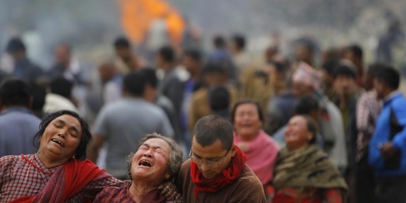 Ác mộng động đất Nepal: 3.500 người chết, 6.500 người bị thương - ảnh 1