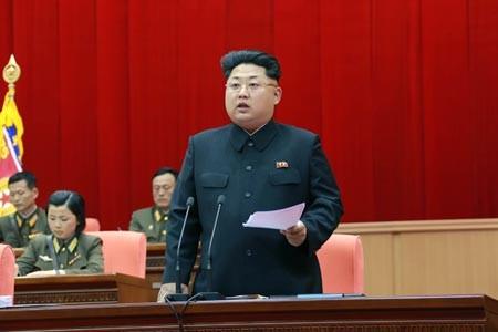 Hủy chuyến đi đến Moscow: Kim Jong-un 'noi gương' cha mình - ảnh 1