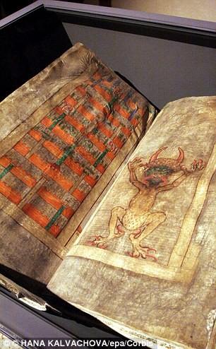 Bí ẩn 'Kinh thánh của Quỷ' viết từ thời Trung cổ - ảnh 1