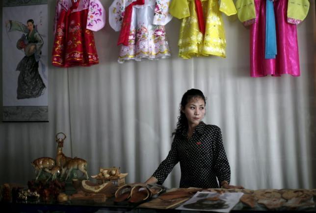 Triều Tiên: Phụ nữ kiếm nhiều tiền hơn đàn ông - ảnh 1