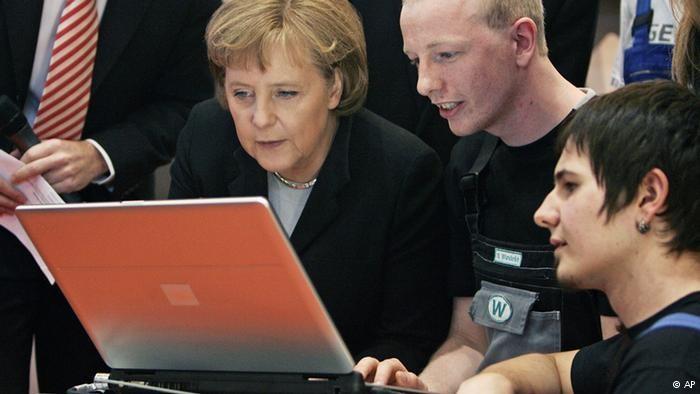 Tin tặc tấn công máy tính của nữ thủ tướng Đức - ảnh 1