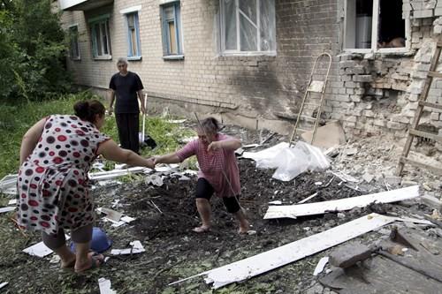 Binh sĩ Ukriane nhận tội sát hại 2 mẹ con vì ủng hộ quân ly khai - ảnh 1