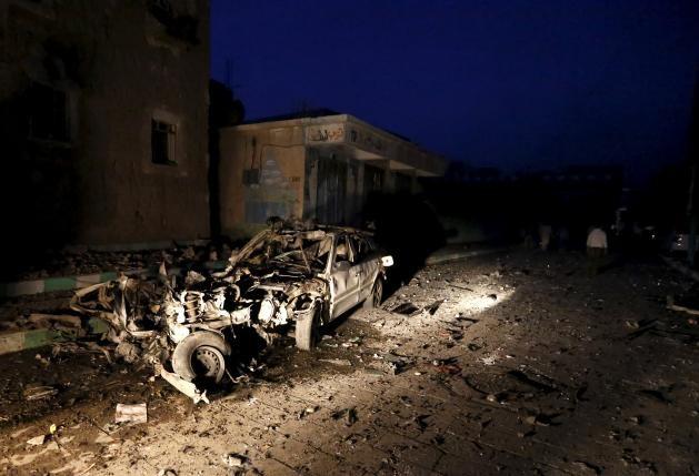 IS đánh bom liên hoàn, thương vong ít nhất 50 người - ảnh 1