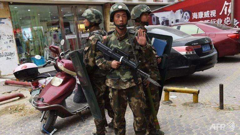 Tấn công đẫm máu ở Tân Cương, 18 người tử vong  - ảnh 1