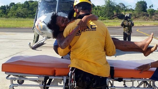 Hai mẹ con sống sót kỳ diệu sau cú rơi máy bay - ảnh 1