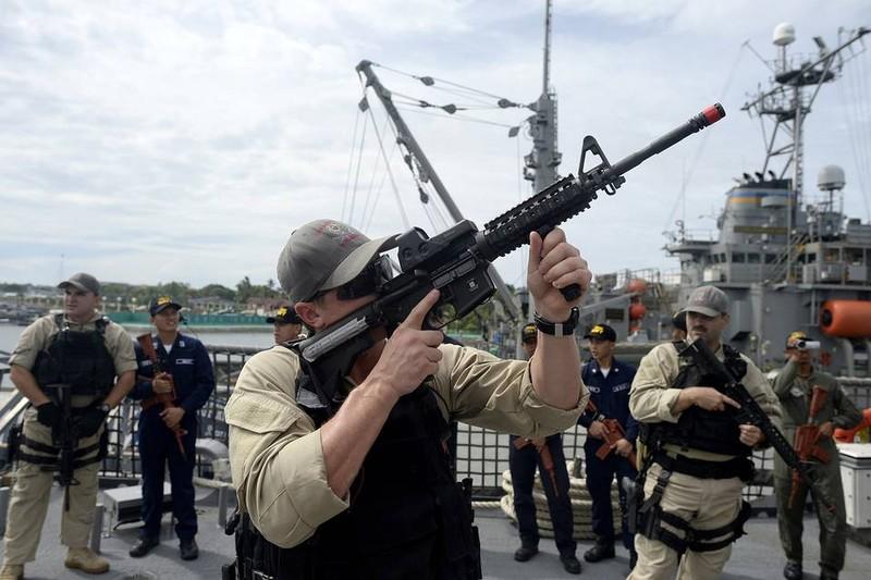 Nhật cân nhắc cùng Mỹ tuần tra Biển Đông - ảnh 2