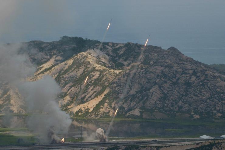 Triều Tiên xây căn cứ tại đảo sát Hàn Quốc - ảnh 1