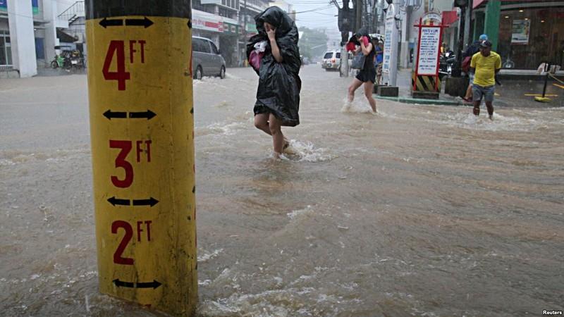 Hình ảnh của 'bộ ba siêu bão' ập vào Trung Quốc - ảnh 2
