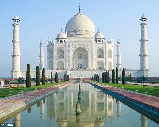 Không cho cưới, đôi tình nhân cắt cổ trước đền Taj Mahal - ảnh 1