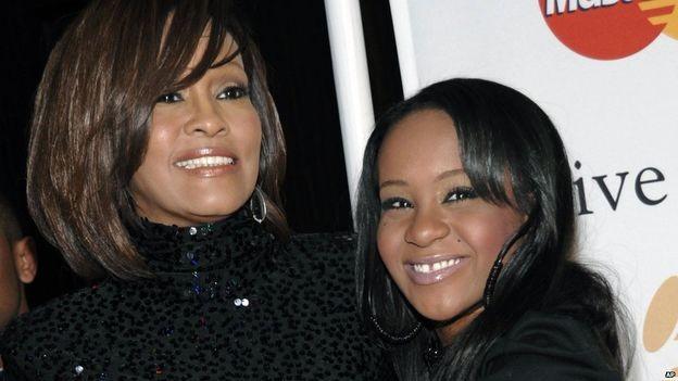 Con gái ca sĩ Whitney Houston qua đời ở tuổi 22 - ảnh 1