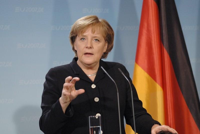 Bà Merkel tiếp tục tranh cử ghế thủ tướng Đức - ảnh 1