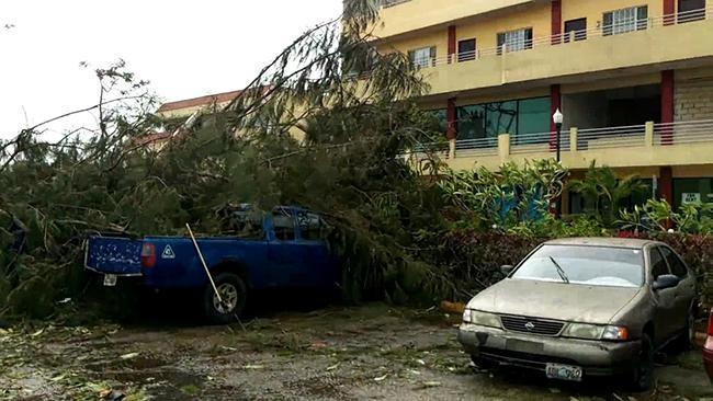 Siêu bão mạnh nhất 2015 càn quét Thái Bình Dương - ảnh 3