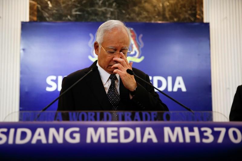 Thủ tướng Malaysia xác nhận mảnh vỡ thuộc máy bay MH370 - ảnh 1
