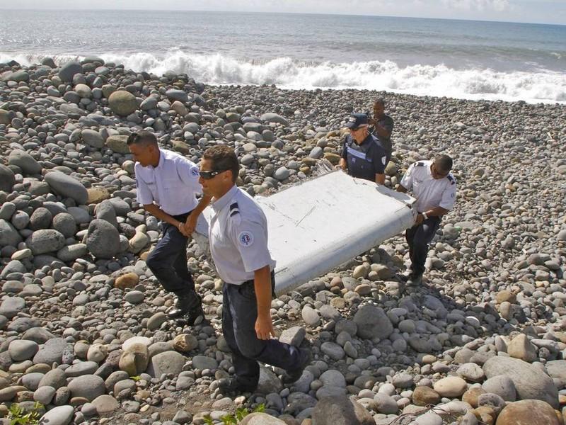 Pháp đem máy bay tới đảo Reunion tìm mảnh vỡ MH370 - ảnh 1