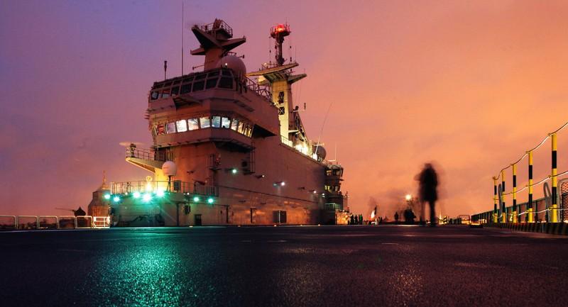 Pháp tìm 'đầu ra' cho tàu đổ bộ Mistral - ảnh 1