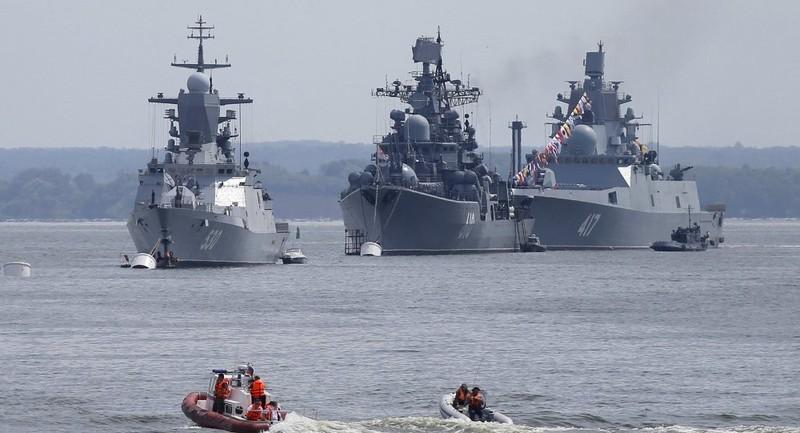 Tàu Hải quân Nga cập bến cảng Iran 'tăng cường niềm tin' - ảnh 1