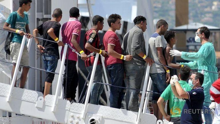 Hải quân Ý cứu 4.400 người tị nạn ngoài khơi Libya - ảnh 1