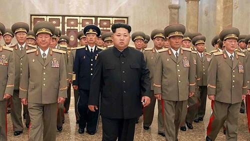 Ông Kim Jong Un cách chức nhiều thành viên Quân ủy Trung ương - ảnh 1
