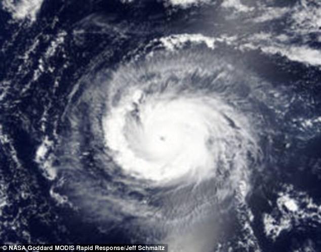 Thái Bình Dương lần đầu tiên xuất hiện cùng lúc ba siêu bão - ảnh 2