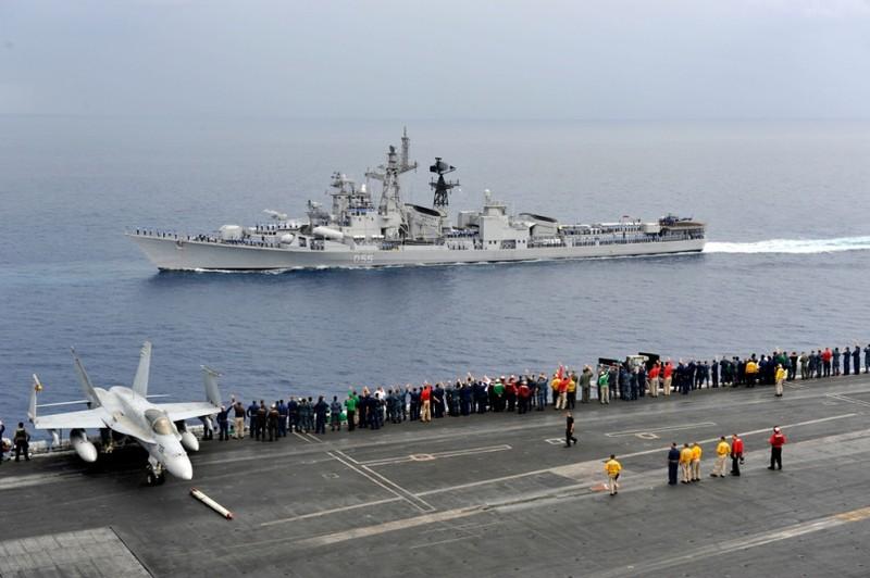 Úc muốn tập trận hải quân cùng Mỹ và Ấn Độ - ảnh 1