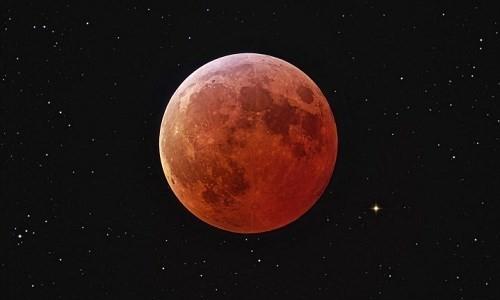 Thế giới chờ đón nguyệt thực 'siêu trăng máu' - ảnh 1