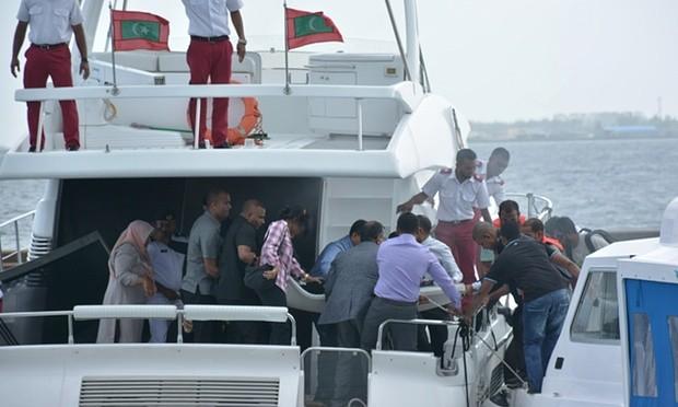 Nổ tàu cao tốc, tổng thống Maldives thoát nạn - ảnh 1
