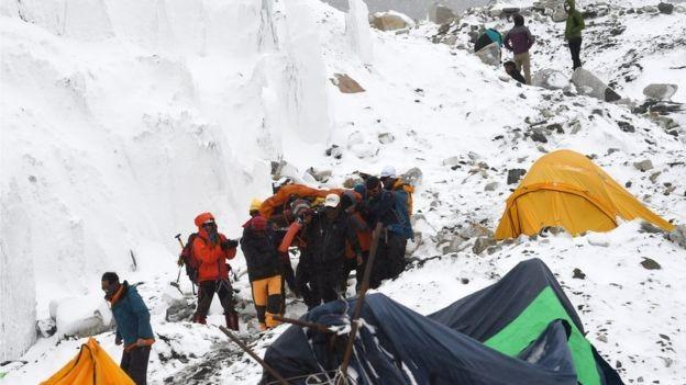 Nepal cân nhắc hạn chế người khuyết tật leo Everest - ảnh 2