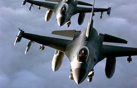 Máy bay Mỹ 'né' chiến đấu cơ Nga ở Syria - ảnh 1