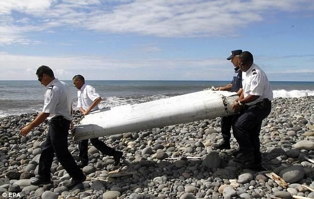 Tìm thấy xác máy bay đầy xương tại Philippines, nghi MH370 - ảnh 1