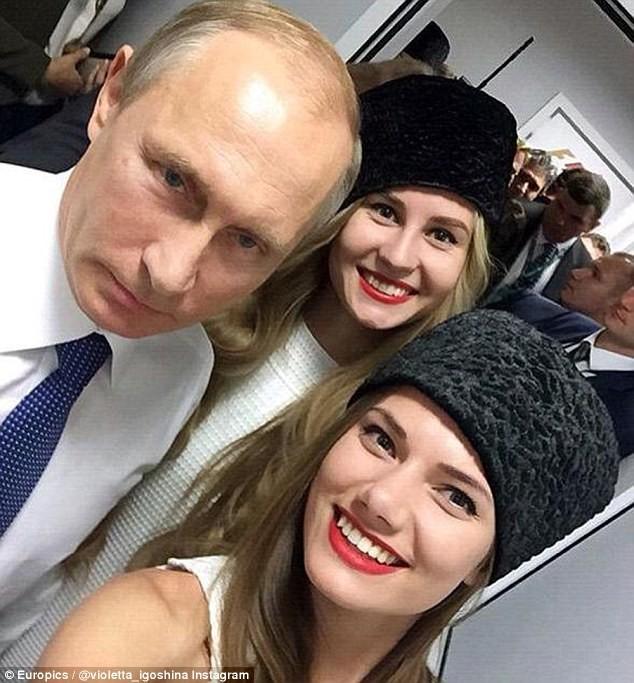 Putin chụp ảnh 'tự sướng' cùng siêu mẫu tại trường đua - ảnh 3