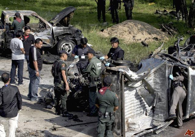 Nổ bom ở miền Nam Thái Lan, hai người thiệt mạng - ảnh 1