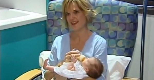 Kỳ lạ đứa bé được sinh ra đến 2 lần - ảnh 1