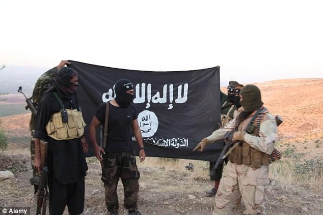 Giải cứu 70 người sắp bị IS tử hình, đặc nhiệm Mỹ tử nạn - ảnh 2