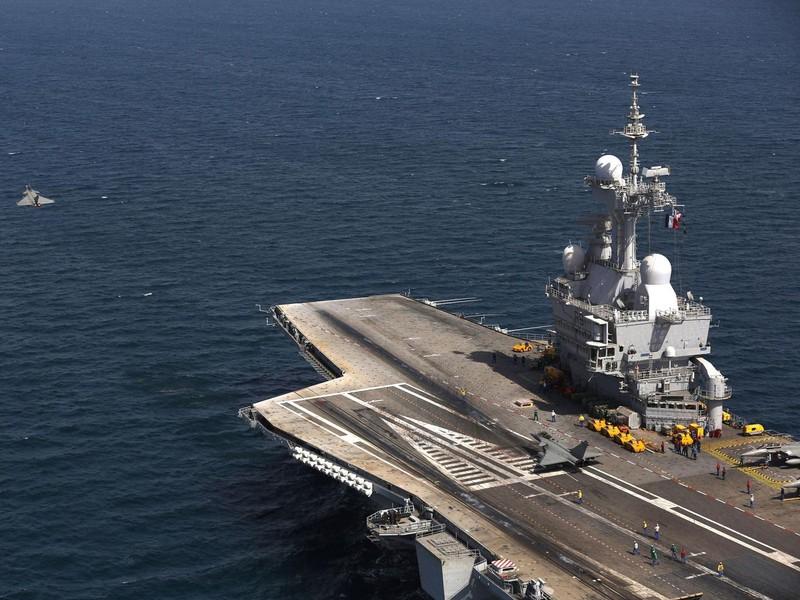 Pháp triển khai tàu sân bay hạt nhân đánh IS - ảnh 1