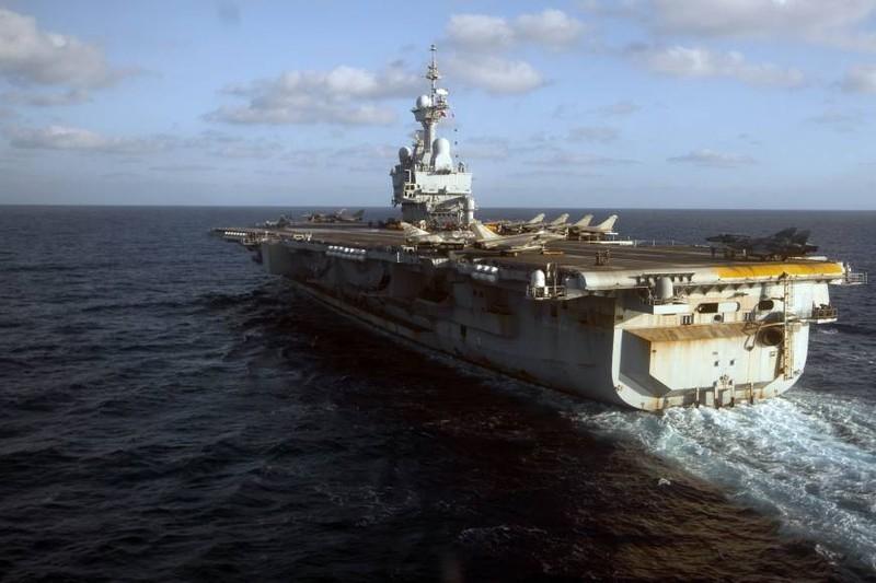 Pháp triển khai tàu sân bay hạt nhân đánh IS - ảnh 2