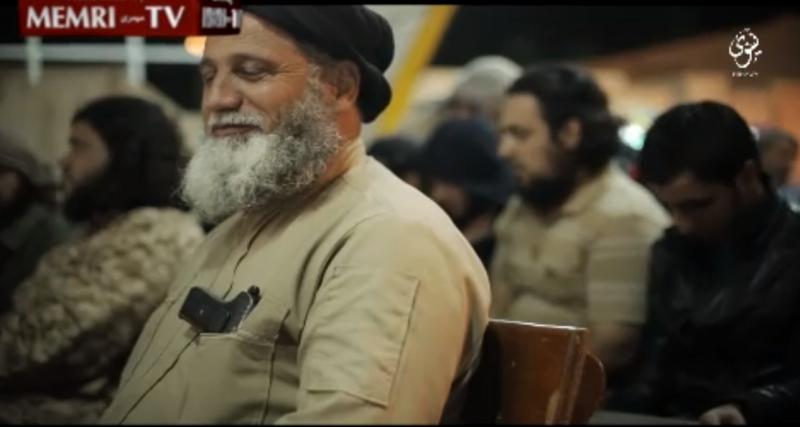IS tổ chức phát kẹo 'ăn mừng' máy bay Nga rơi - ảnh 2